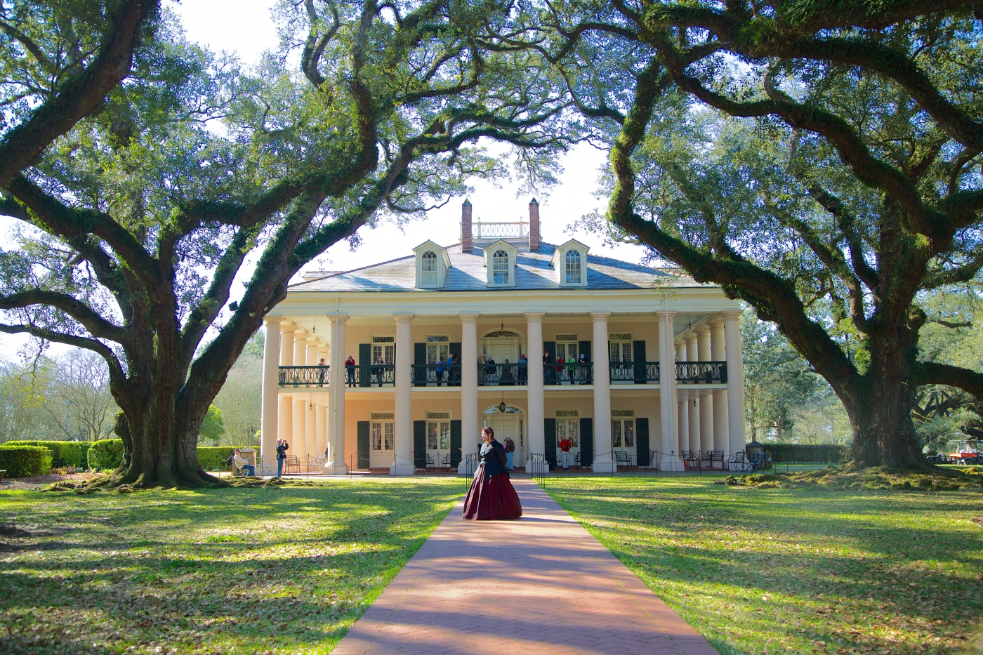 Oak Alley Plantation is one of the most beautiful homes in the South.