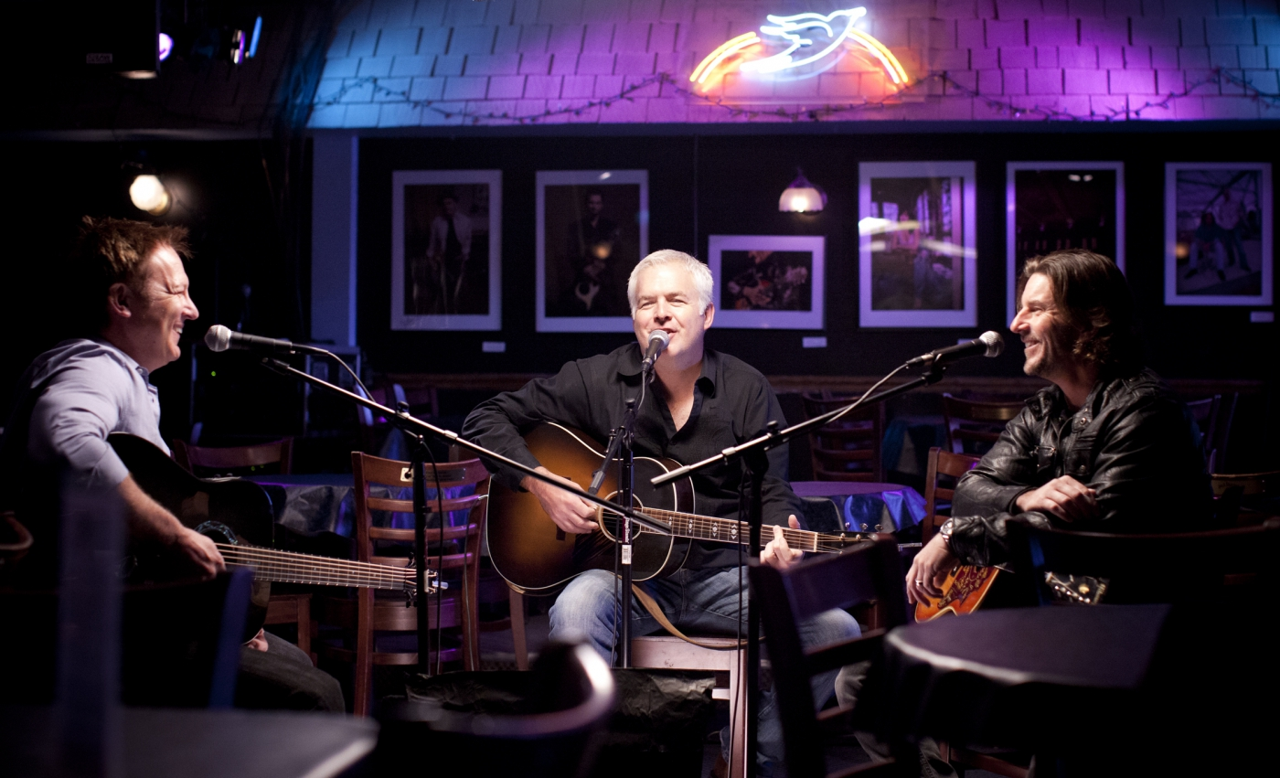 Many famous artists have played at the eclectic Bluebird Cafe.