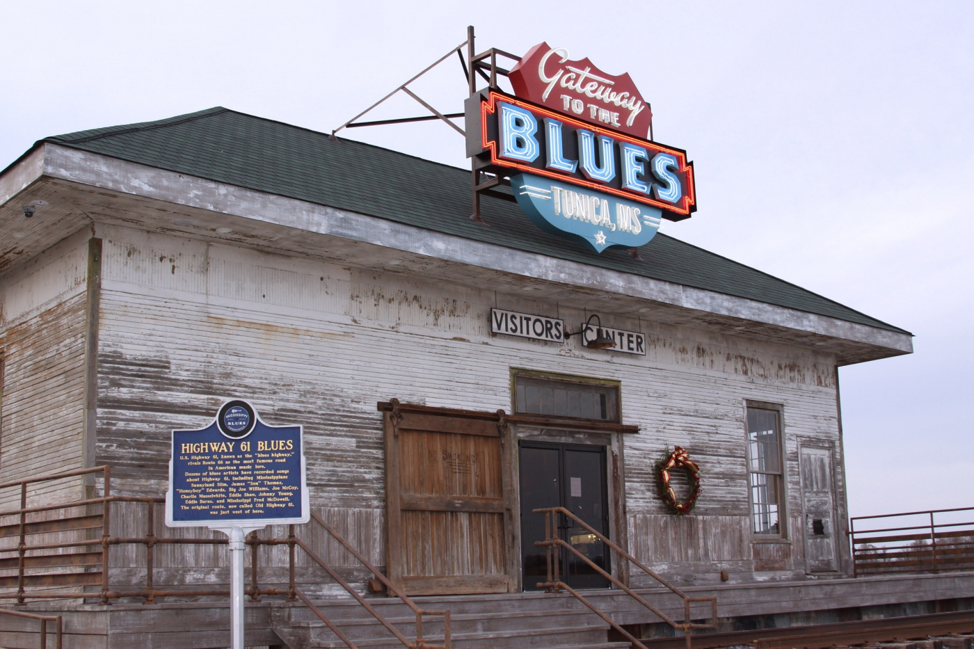 Tunica is the Gateway to the Blues, and the Visitors Center exudes that Blues spirit. A great stop in the Heart of the Delta.