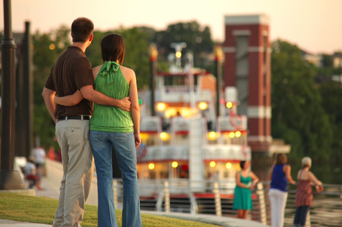 The Harriott II Riverboat offers Alabama River cruises from the city's riverfront in the city's center.